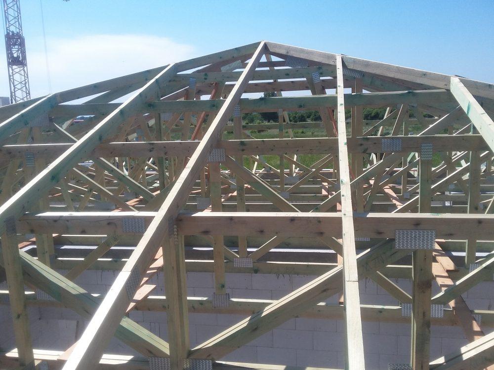 Väzníkový krov bungalov Holíč
