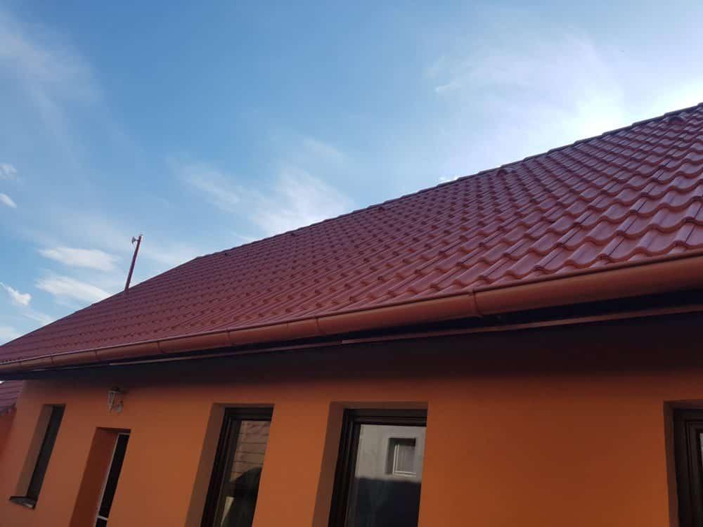 Realizácia rekonštrukcia Radošovce – KM Beta briliant tehlovočervená