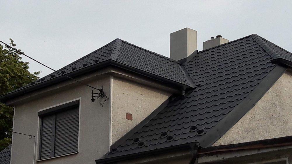Realizácia rekonštrukcia Radošovice – Plechová krytina Diament Eco Plus antracitová matná