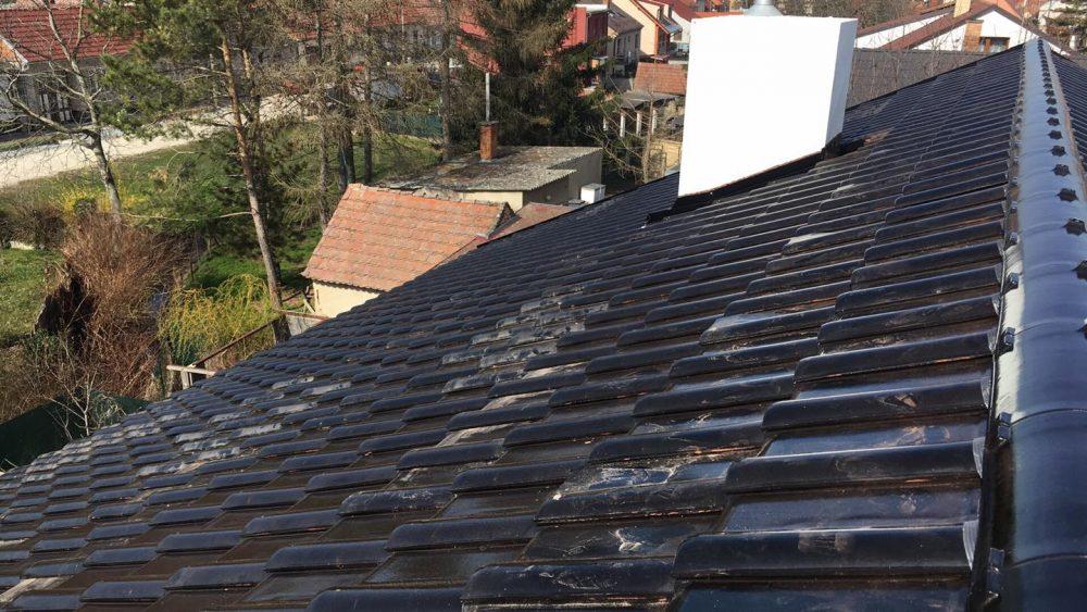 Realizácia rekonštrukcia Mokrý Háj – Creaton Balance čierna glazúra
